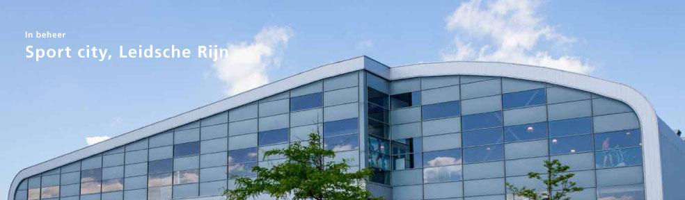 Health- en fitnesscentrum met indoor sportactiviteiten zoals golf en squash